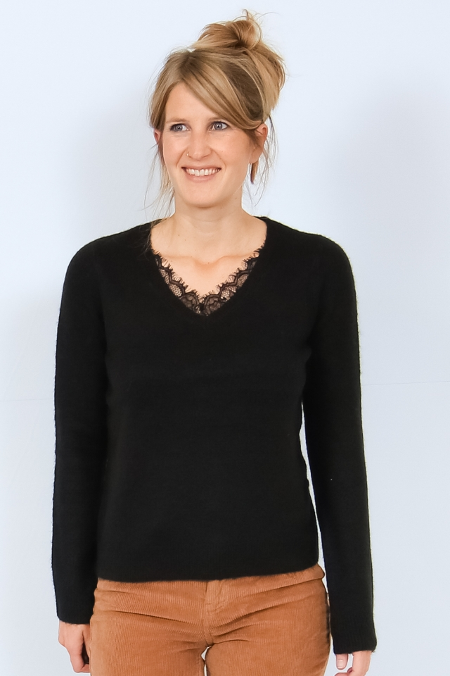 VMIVA LS V-NECK LACE BLOUSE COLOR Black