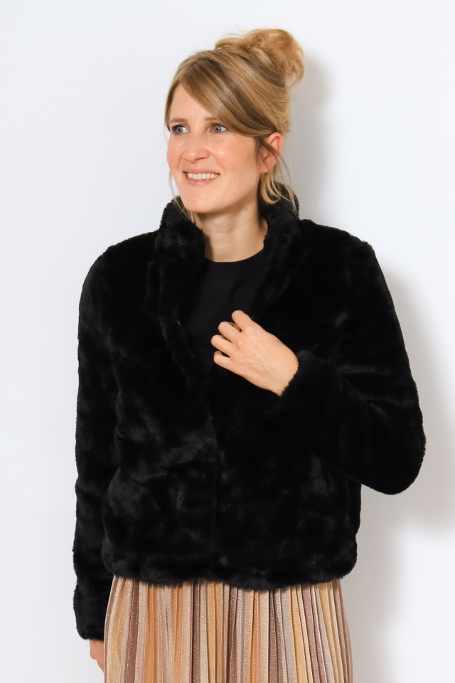 VMTHEA SHORT FAUX FUR JACKET NOOS Black