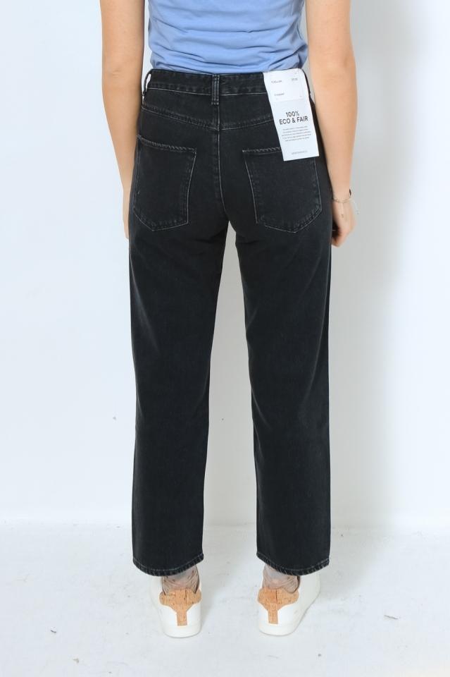 FJELLAA CROPPED Denims / 5 Pockets Straight Solid black-grey