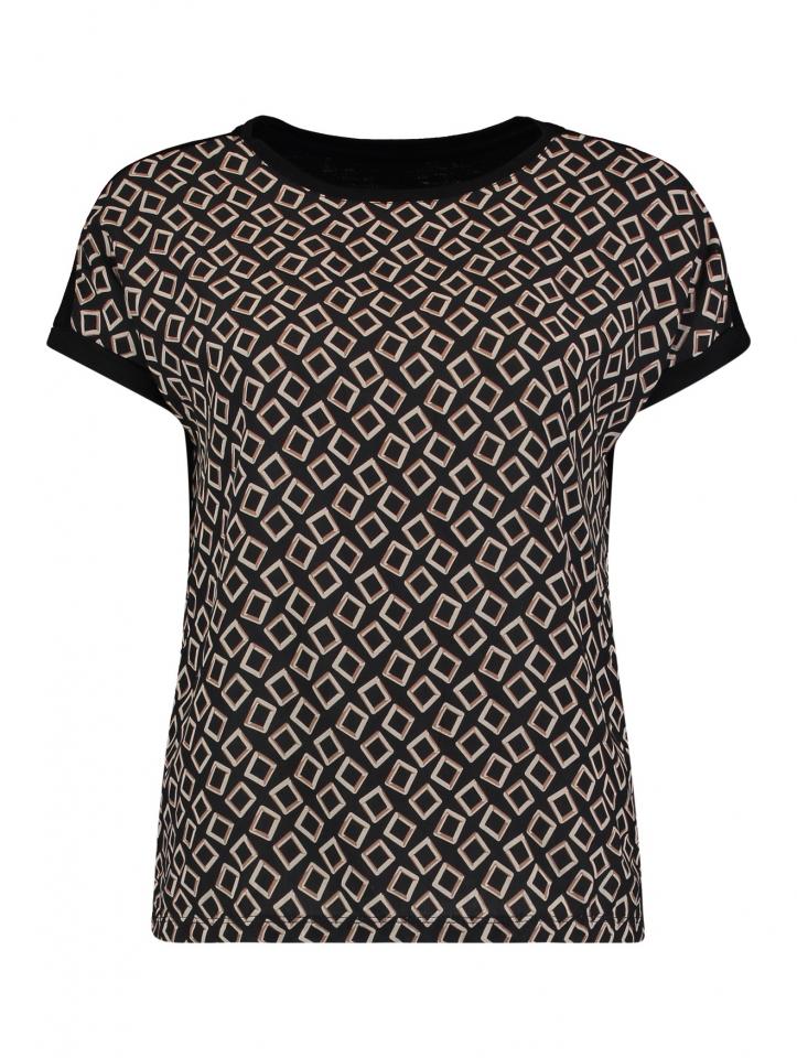 Modell: Shirt Lia P Square
